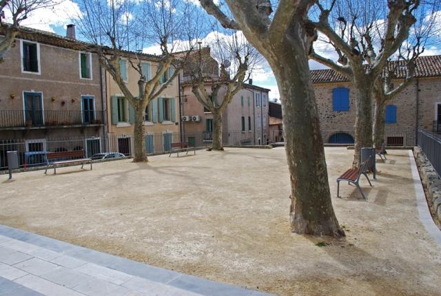 Shady spot: Place de la Republique, Caux, Languedoc