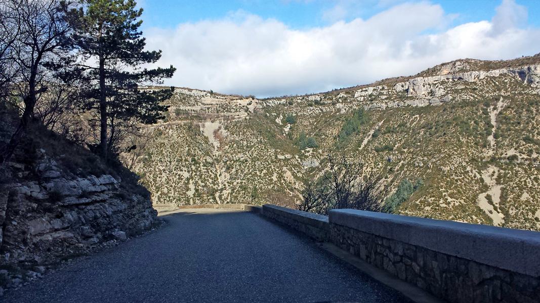 Road descending into Cirque de Navacelles
