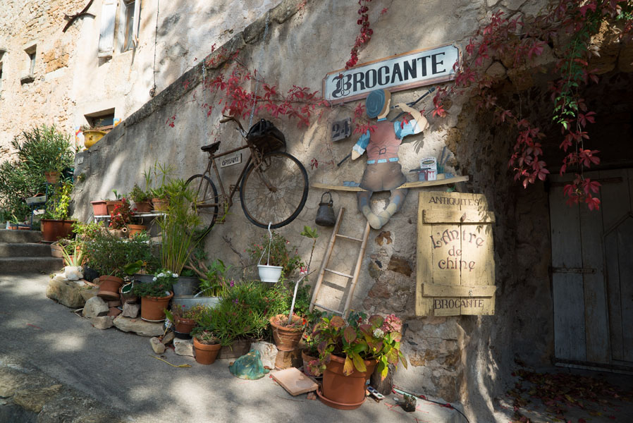 Brocante shop in Moureze, Languedoc