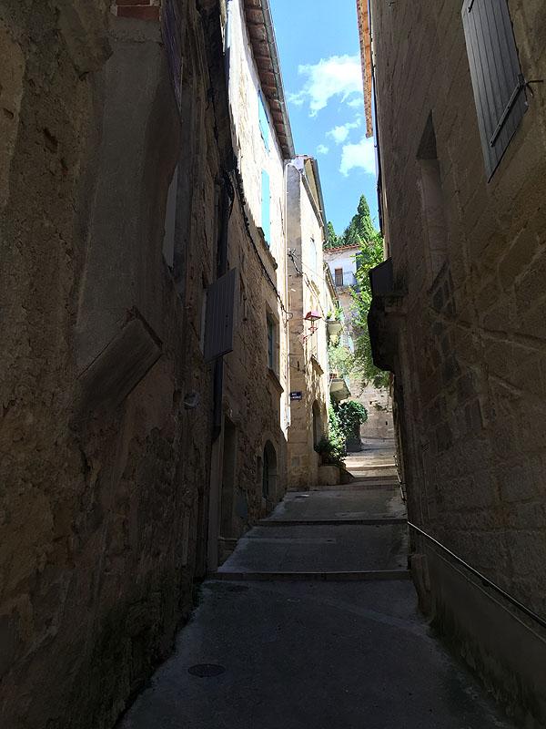 Narrow street, Sommieres