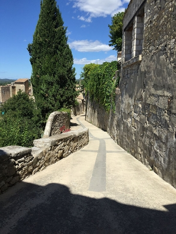 Chemin du Chateau, Sommieres, Languedoc