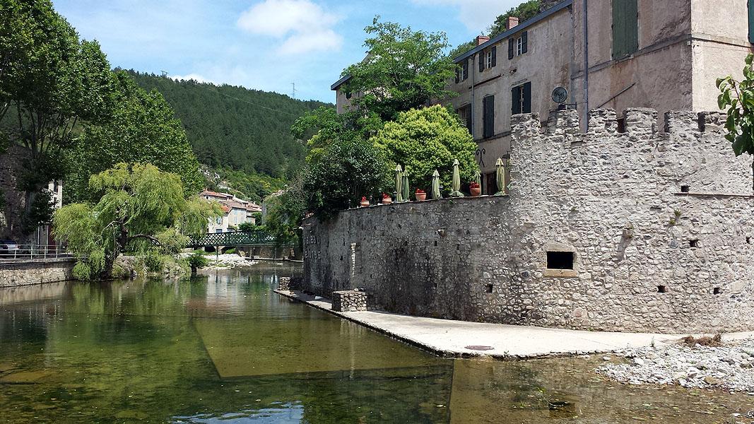 Lunas, Languedoc