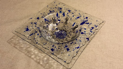Fused glass bowl with embedded cycling components