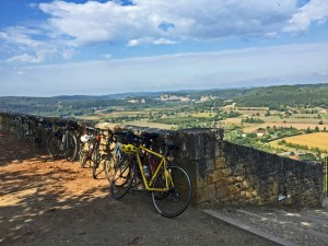 Cycling the Dordogne: Taking a break in Domme