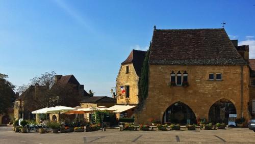 Flower market in Dordogne, France