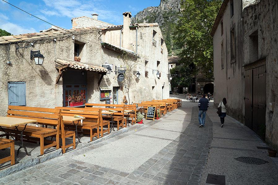 St Guilhem le Desert, Languedoc