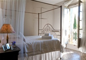 Cycle Tour Accomodation: Bedroom at La Belle Vue, Languedoc