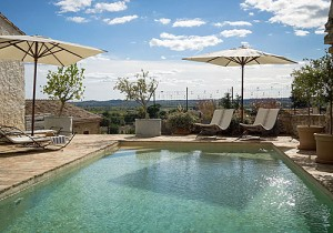 Cycle Tour Accomodation: pool at La Belle Vue, Languedoc